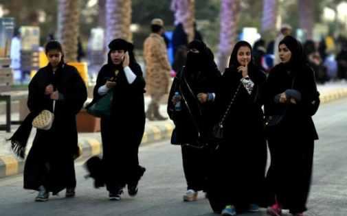 saudi-women-robes-large