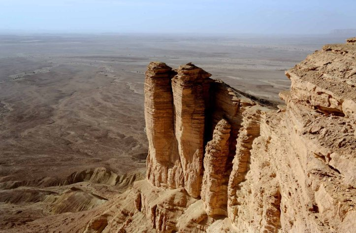 desert-cliffs-at-edge-of-the-world-2