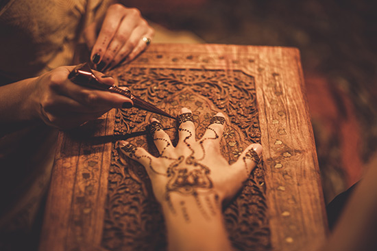 dubai-beauty-culture-tradition-henna1